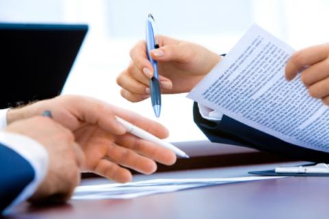 Unterlagen und Verträge